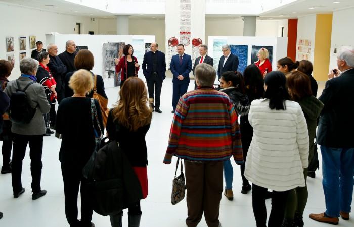 افتتاح معرض فني بعنوان