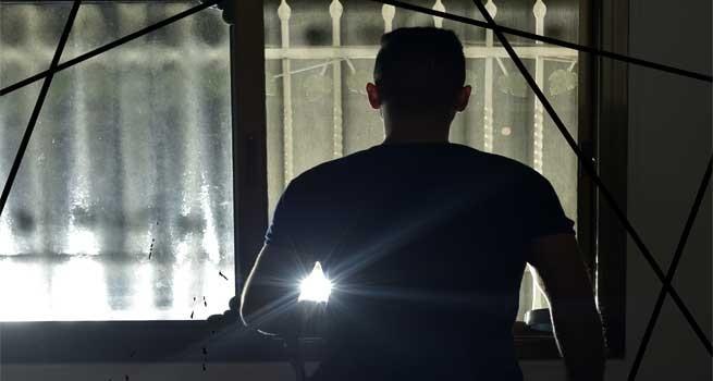 فيلم شظايا للمخرج محمد الكرنز  يفوز بجائزة لجنة التحكيم في مهرجان العودة الدولي
